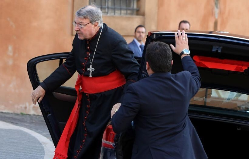 Казначей Ватикана предстанет перед судом вМельбурне пообвинению в половых домогательствах
