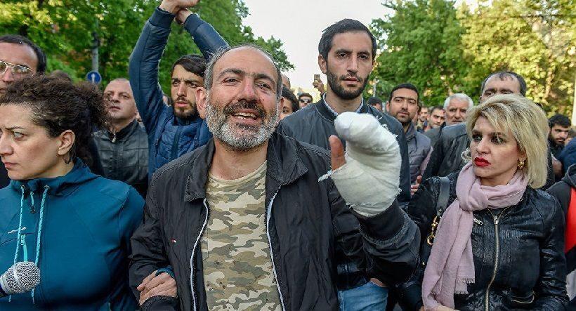 Правящая партия Армении небудет выдвигать кандидата напост премьера страны
