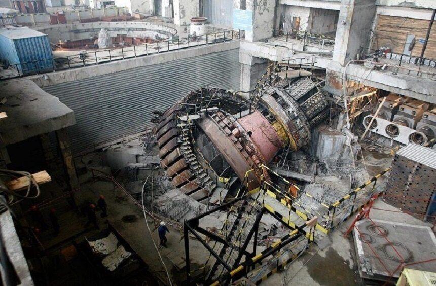 avariya na sayano shushenskoy ges vyrvannaya turbina 1 - Невероятная катастрофа на саяно шушенской гэс как это было на самом деле
