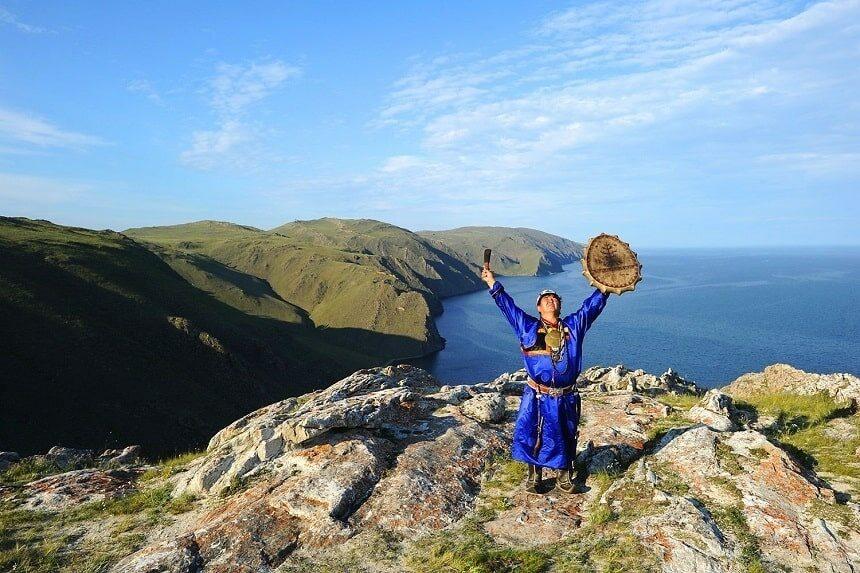 шаман на Байкале