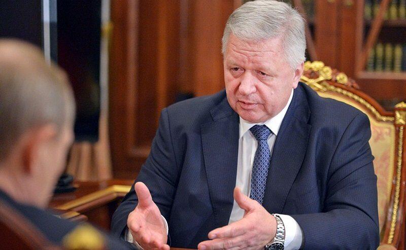 Глава профсоюзов заявил Путину, что Медведев ведет страну к социальному взрыву