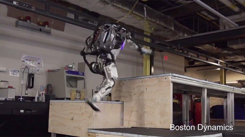 Двуногий робот Boston Dynamics стал мастером паркура