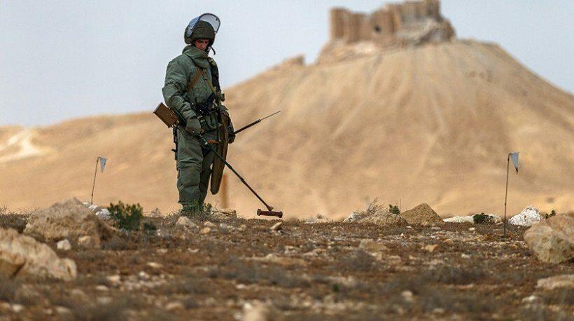 Саперы ВС КНДР и Южной Кореи в понедельник приступили к ликвидации минных полей в демилитаризованной зоне