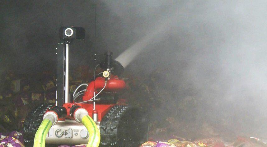 роботизированный пожарный танк в Китае