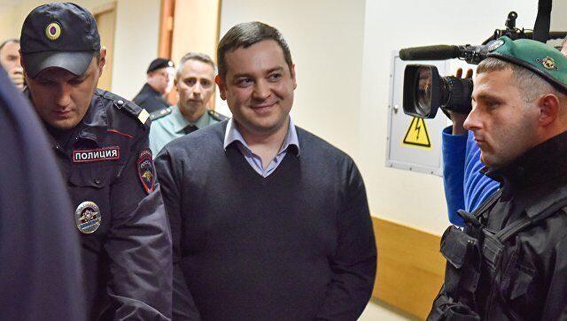 Давидыч получил почти пять лет колонии за мошенничество
