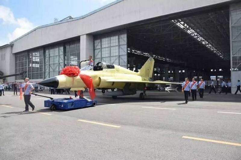 многоцелевой боевой самолет FTC-2000G