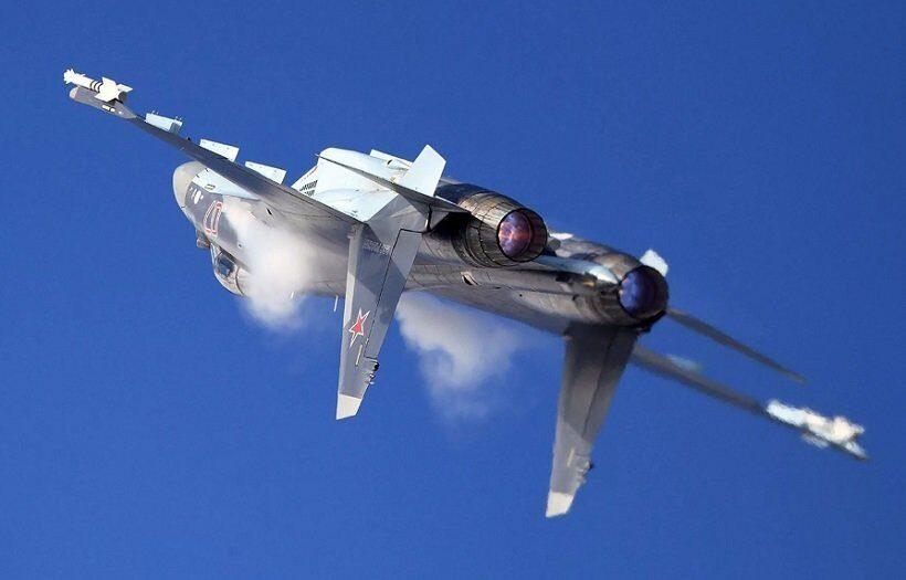 Российские ВКС получили более шестидесяти Су-35
