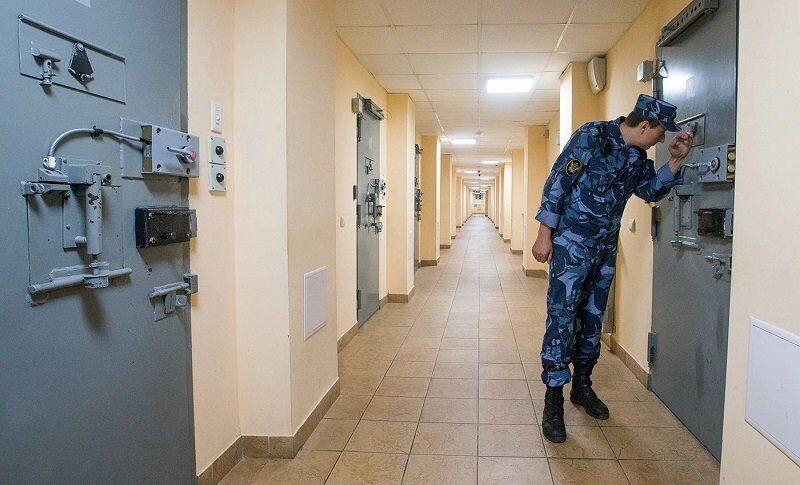 ФСИН жалуется на боязнь сотрудников выходить в форме на улицу