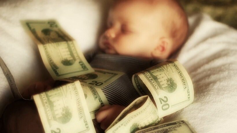 Полиция Египта предотвратила попытку продажи за тысячу долларов новорожденного младенца