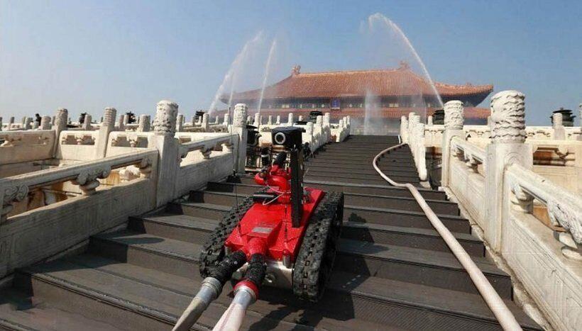 роботизированный пожарный танк