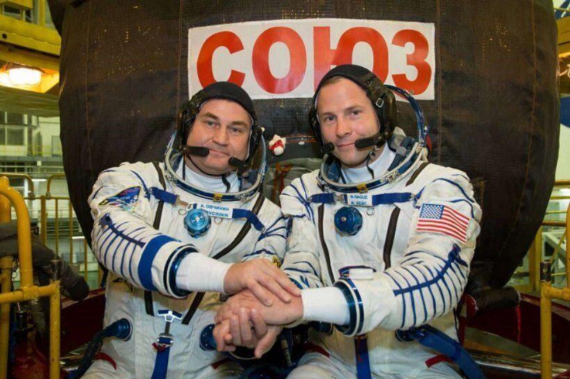 Российский космонавт Алексей Овчинин и американский астронавт Ник Хейг