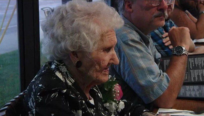 Ресторан оказался должен 109-летней американке, которая пришла поесть по акции
