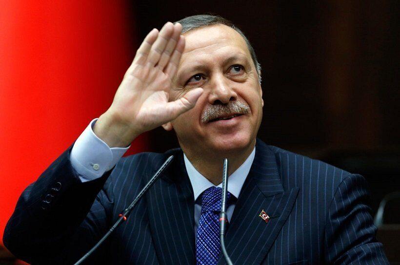 Эрдоган призвал покончить сдоминированием доллара вмировой торговле