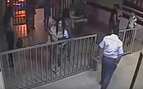 геи атаковали отдел полиции в Ереване