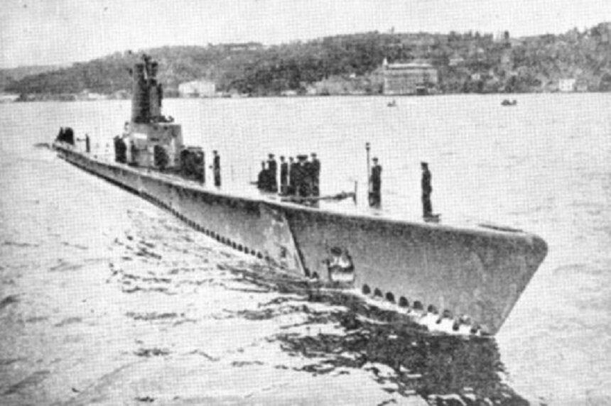 Турецкая субмарина Dumlupinar