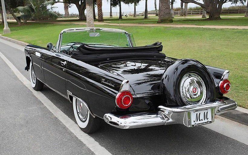 Черный кабриолет Мэрилин Монро выставлен на аукцион за полмиллиона долларов