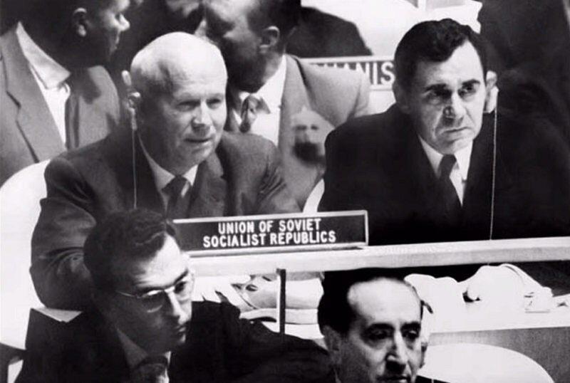 Хрущев послал ящик вина ирландскому дипломату после инцидента с ботинком в ООН