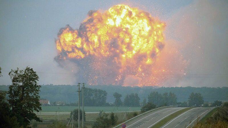 взрыв на складе боеприпасов в Украине