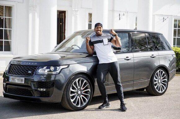 У британского боксера Энтони Джошуа угнали Range Rover
