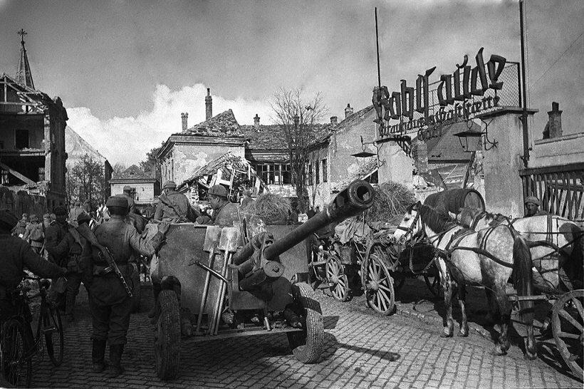 В Австрии советские военные
