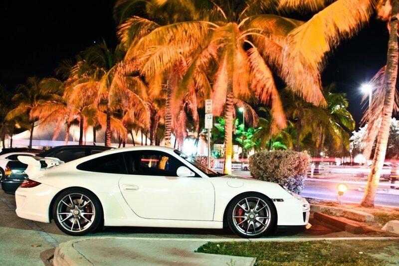 В Австрии лихача на Porsche после гонок с полицией на скорости 300 км.ч уволили с работы