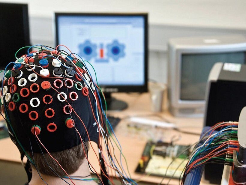 Интерфейсы между мозгом и компьютером