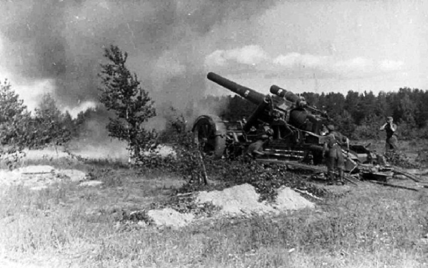 немецкая артиллерия обстреливает Ленинград