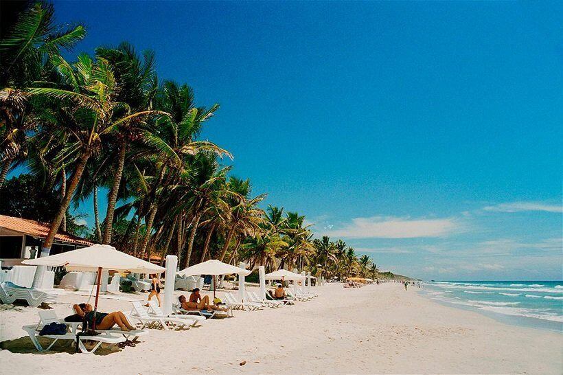 Песчаный пляж Плая-Эль-Агуа