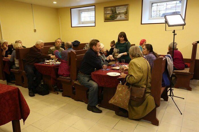 Добродомик бесплатное кафе для пожилых