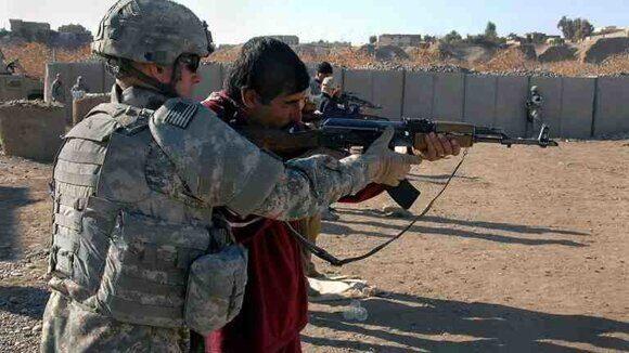 Американские инструкторы обучают боевиков в Сирии