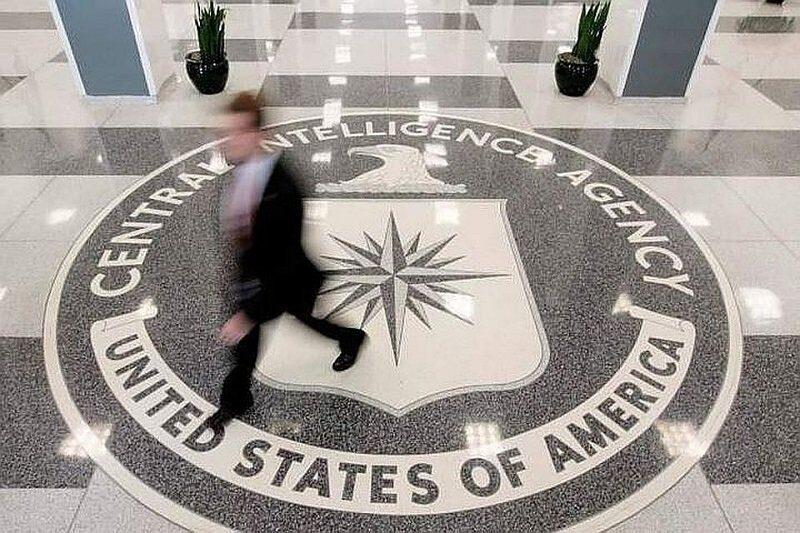 Выдавший секретную информацию экс-сотрудник ЦРУ продолжал заниматься этим и в тюрьме