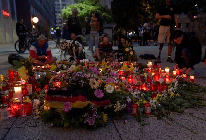 в Германии продолжаются демонстрации после громкого убийства