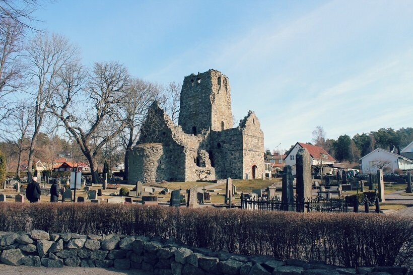 Половину жителей древней столицы викингов в Швеции составляли мигранты