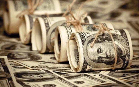 Ирак отказался от доллара в торговле с Ираном в пользу национальных валют