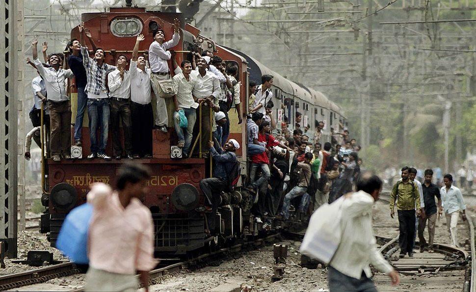 оснащены поезда в индии с людьми фото пошаговые