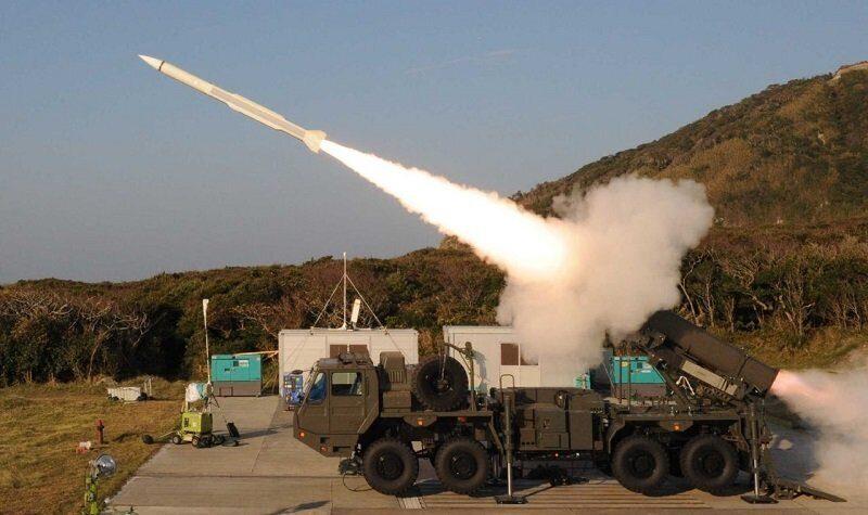 Токио создает военную базу на острове в Восточно- Китайском море