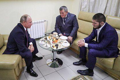 Президент России Владимир Путин поздравил бойца смешанного стиля (ММА) Хабиба Нурмагомедова с победой
