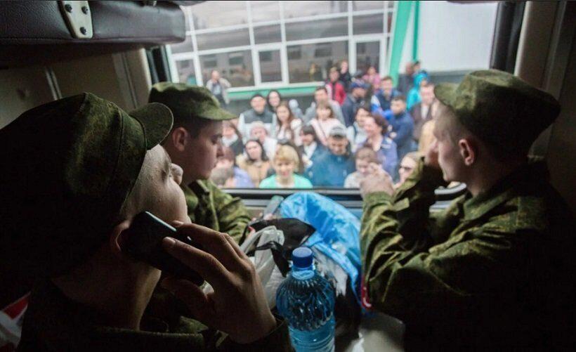 Злостных неплательщиков алиментов отправят в армию